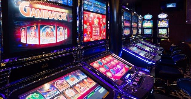 Игровые автоматы Spin Win casino на деньги и бесплатно